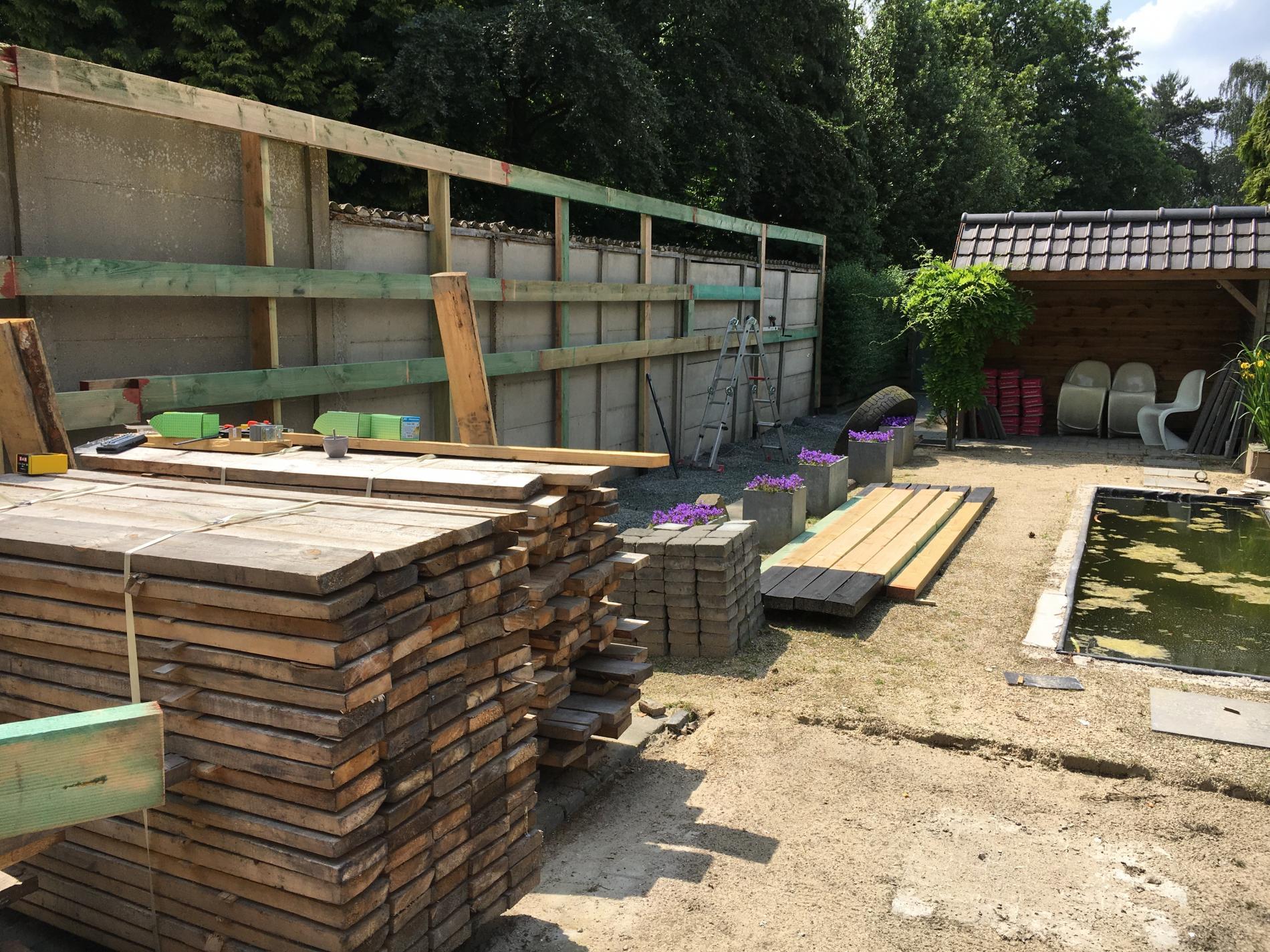 Heel wat meters houten muur WordFit-studio Personal training Bouwel